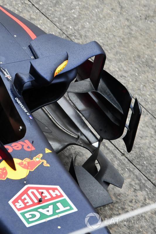 Red Bull Racing Rb13 sidepod ve barge board detay