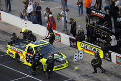 Matt Crafton, ThorSport Racing Toyota pit stop