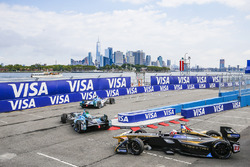 Robin Frijns, Amlin Andretti Formula E Team, leads Nelson Piquet Jr., NEXTEV TCR Formula E Team, and Stéphane Sarrazin, Techeetah