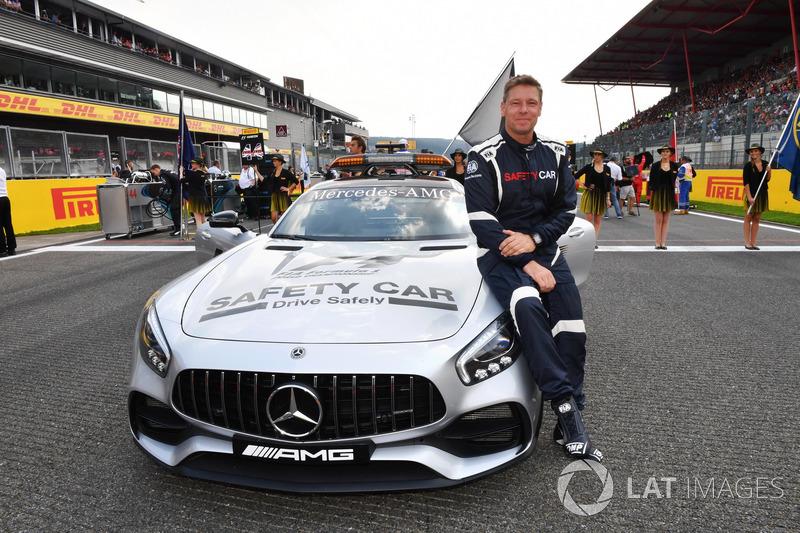 Водій автомобіля безпеки FIA Бернд Майландер