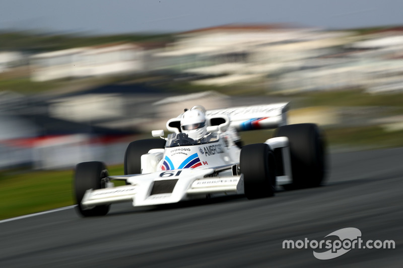 Jason Wright scheurt in de Shadow DN8