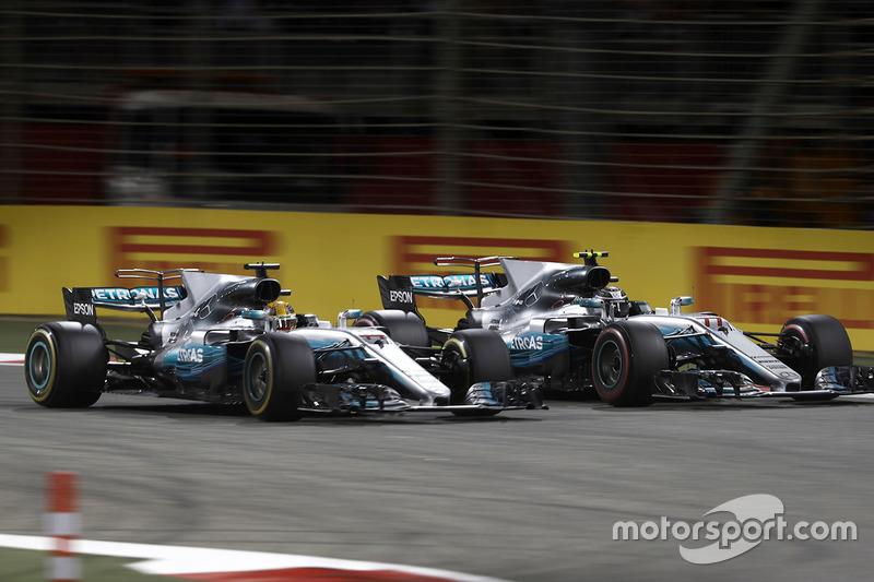 Lewis Hamilton, Mercedes AMG F1 W08, et Valtteri Bottas, Mercedes AMG F1 W08