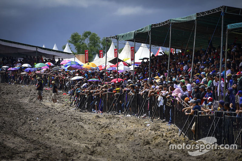 Para penonton di MXGP Indonesia 2017
