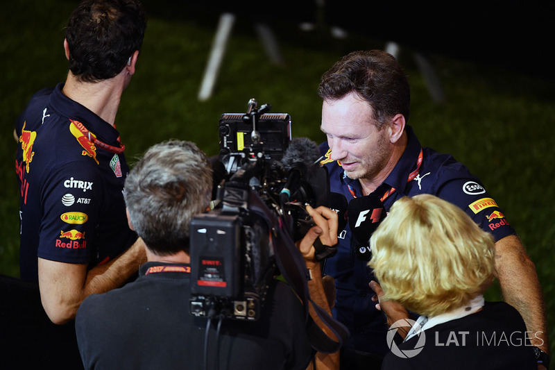 Christian Horner, Red Bull Racing Teamchef, gibt Interviews