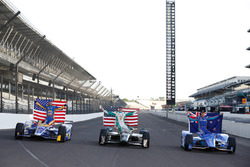 The front row of Alexander Rossi, Herta - Andretti Autosport Honda, Ed Carpenter, Ed Carpenter Racing Chevrolet, Scott Dixon, Chip Ganassi Racing Honda