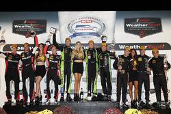 P podium: winners Scott Sharp, Ryan Dalziel, Brendon Hartley, Tequila Patrón ESM, second place Eric Curran, Dane Cameron, Mike Conway, Action Express Racing, third place Helio Castroneves, Simon Pagenaud, Juan Pablo Montoya, Team Penske