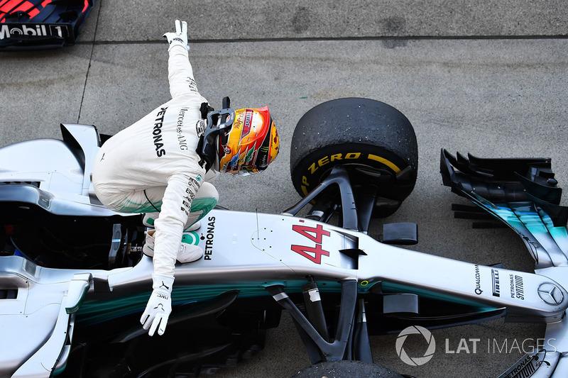 Lewis Hamilton, Mercedes-Benz F1 W08  comemora no parque fechado
