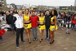 Maxime Martin, BMW Team RBM, BMW M4 DTM, Loic Duval, Audi Sport Team Phoenix, Audi RS 5 DTM, Paul Di Resta, Mercedes-AMG Team HWA, Mercedes-AMG C63 DTM, Girls