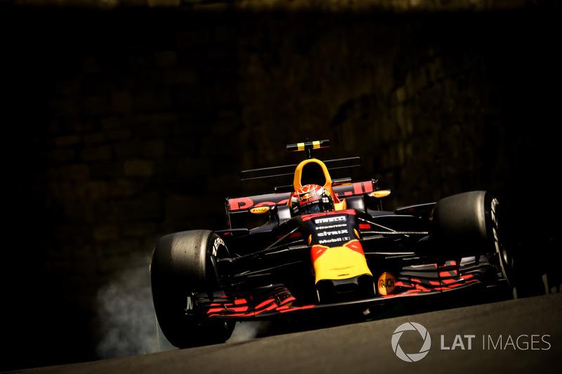 Max Verstappen, Red Bull Racing RB13 bloque los frenos