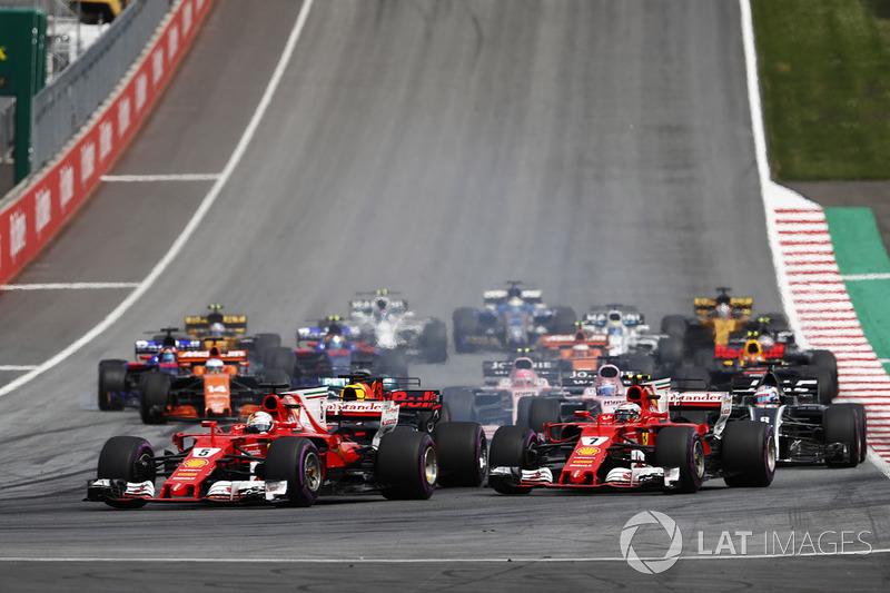 Себастьян Феттель, Кімі Райкконен, Ferrari SF70H, на старті