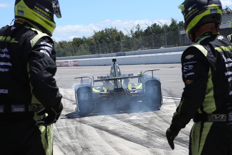Charlie Kimball, Chip Ganassi Racing Chevrolet, pit stop