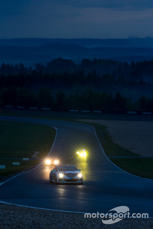 #250 Lubner Motorsport, Opel Astra OPC Cup: Sandro Rothenberger, Norbert Mehling, Rogerio Carvalhais, Matthew Mc Fadden