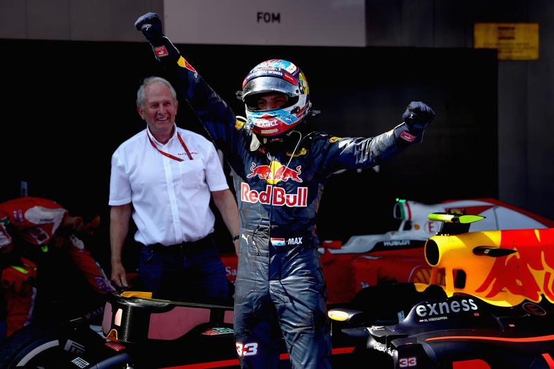 Max Verstappen, Red Bull Racing feiert seinen ersten Sieg im Parc Ferme
