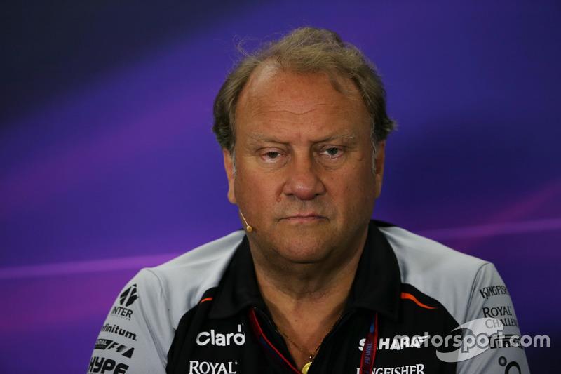 Роберт Френли, руководитель Sahara Force India F1 Teamна пресс-конференции FIA
