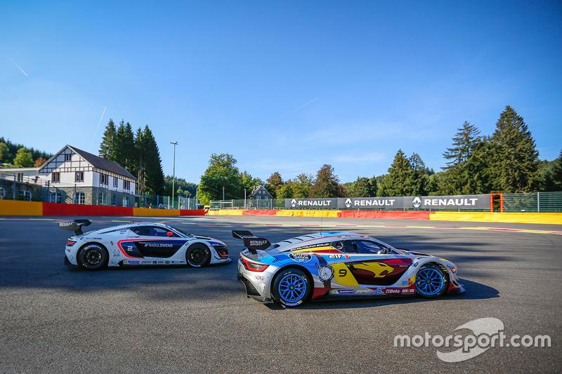 #9 Team Marc VDS, Renault RS01: Markus Palttala, Fabian Schiller; #2 R-ace GP Racing, Renault RS01: