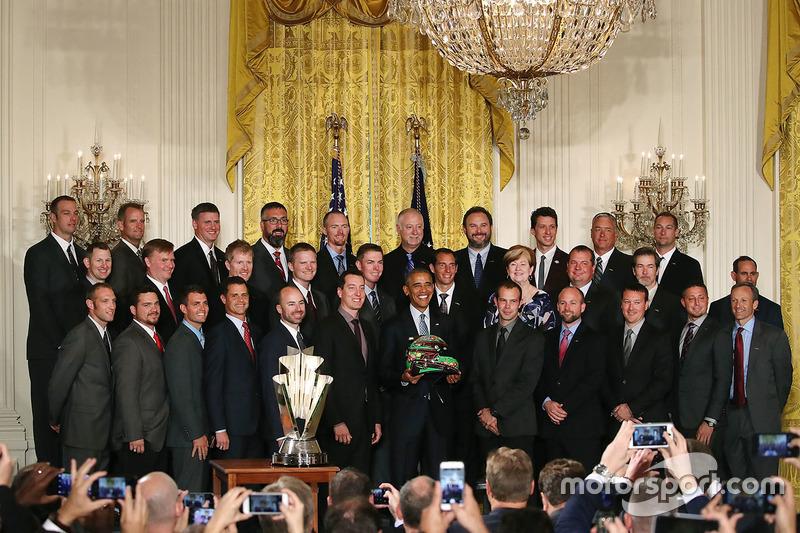 Kyle Busch, Joe Gibbs Racing Toyota se reúne con el Presidente Barack Obama en la casa blanca
