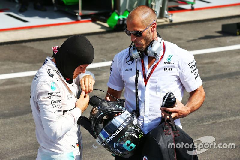 Nico Rosberg, Mercedes AMG F1 ve Daniel Schloesser, Mercedes AMG F1 Antrenörü