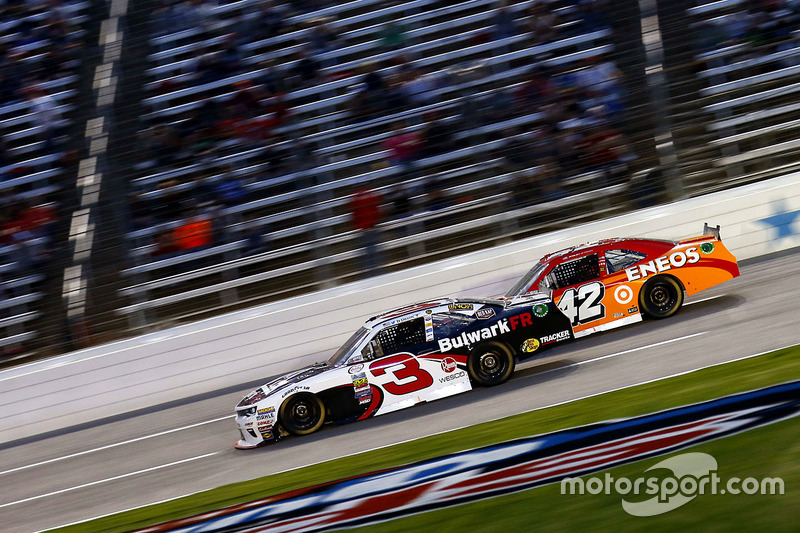 Ty Dillon, Richard Childress Racing Chevrolet and Kyle Larson, Chip Ganassi Racing Chevrolet