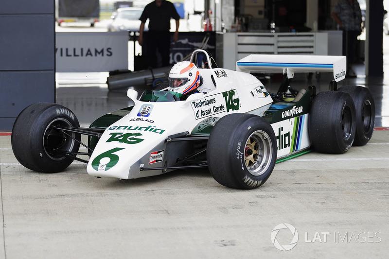Marin Brundle ve altı tekerlekli FW08