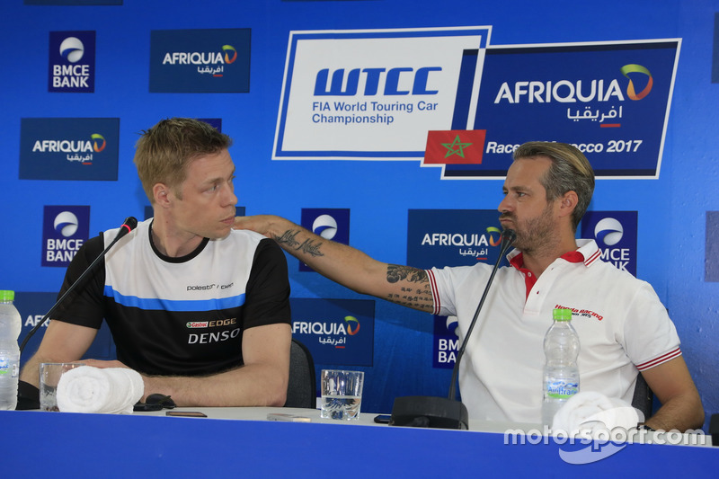 Thed Björk, Polestar Cyan Racing, Volvo S60 Polestar TC1; Tiago Monteiro, Honda Racing Team JAS, Honda Civic WTCC