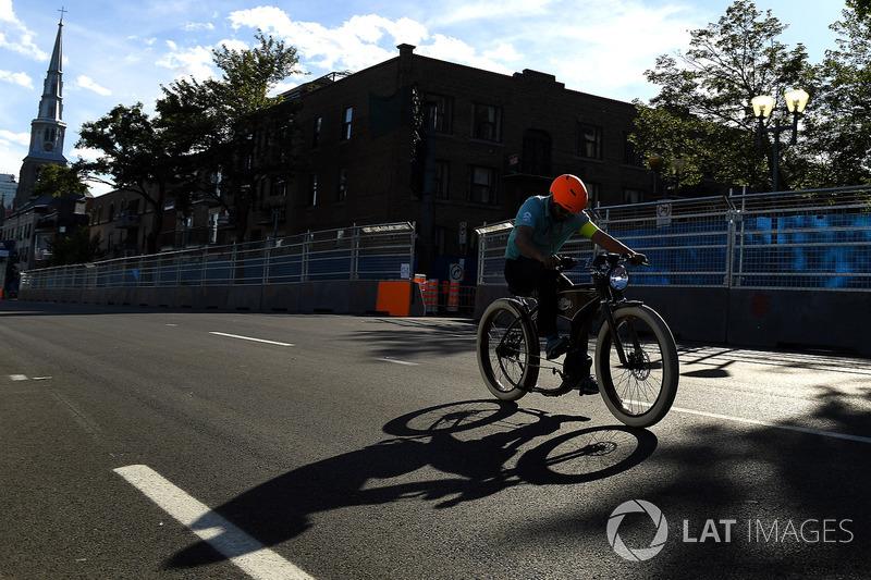 NextEv team en una carrera de bicis