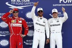 Обладатель поула Льюис Хэмилтон, второе место – Валттери Боттас, Mercedes AMG F1, третье место – Кими Райкконен, Ferrari