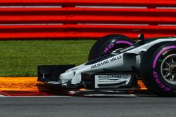 La nariz y ala delantera del coche de Romain Grosjean, Haas F1 Team VF-17