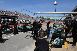 Valtteri Bottas, Mercedes-Benz F1 W08  y Lewis Hamilton, Mercedes-Benz F1 W08