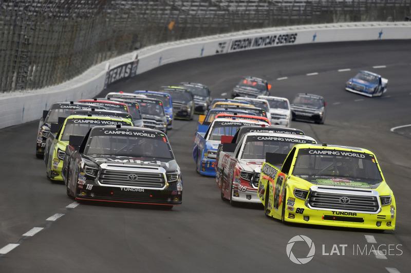 Matt Crafton, ThorSport Racing Toyota and Noah Gragson, Kyle Busch Motorsports Toyota