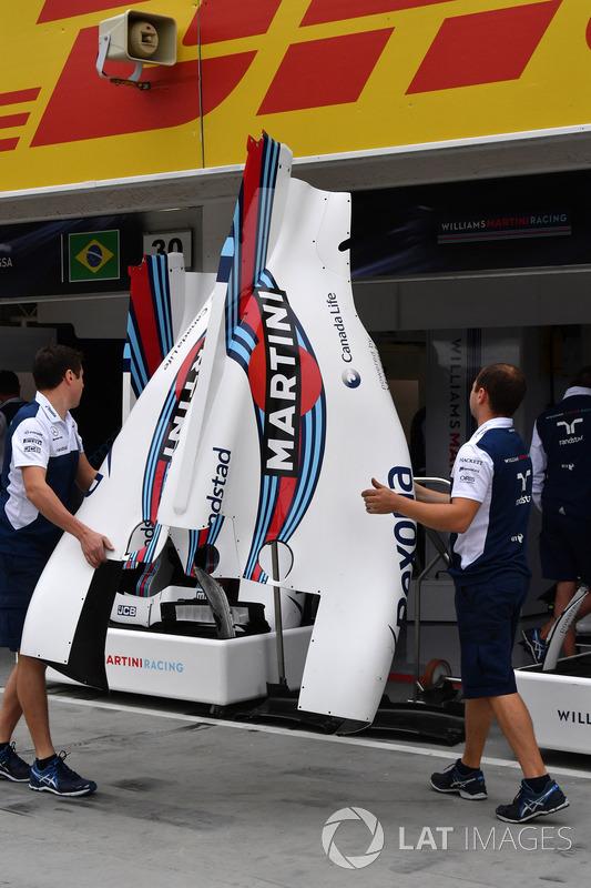 Williams FW40 carrocería