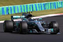 Valtteri Bottas, Mercedes-Benz F1 W08 Hybrid locks up