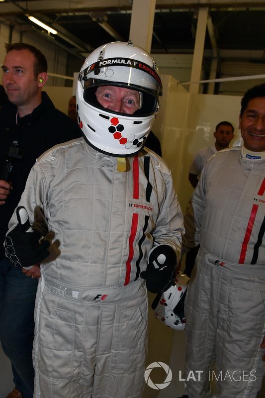 Саймо Лазенбі, пасажир двомісного боліда