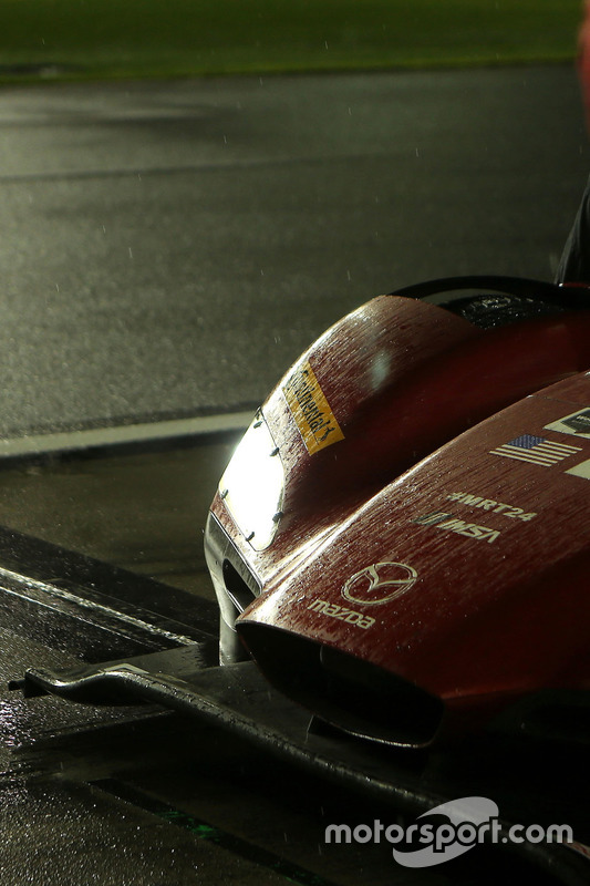L'avant de la #55 Mazda Motorsports Mazda DPi: Jonathan Bomarito, Tristan Nunez, Spencer Pigot