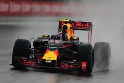 Max Verstappen, Red Bull Racing RB12 celebra