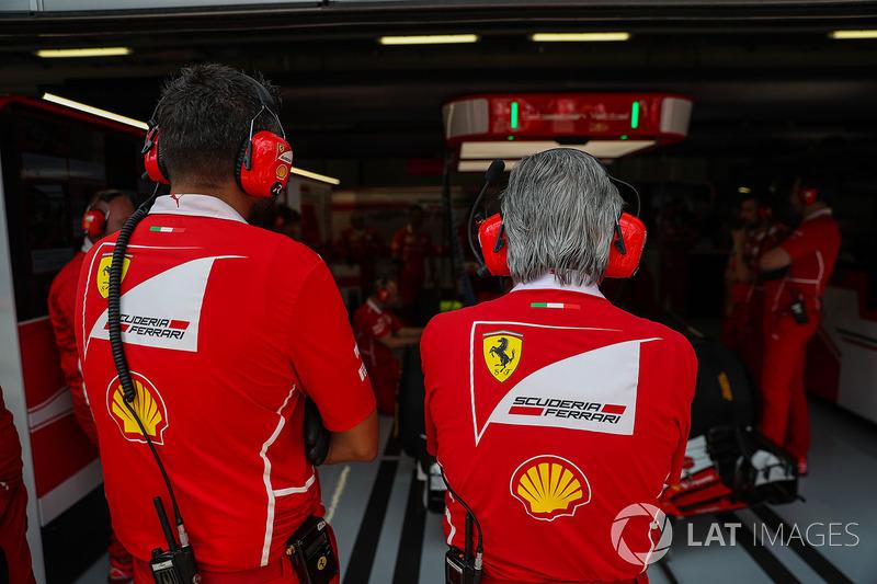 Мауріціо Аррівабене, керівник Ferrari, Ріккардо Адамі, гоночний інженер Ferrari