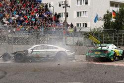 Unfall: Gary Paffett, Mercedes-AMG Team HWA, Mercedes-AMG C63 DTM, Mike Rockenfeller, Audi Sport Team Phoenix, Audi RS 5 DTM