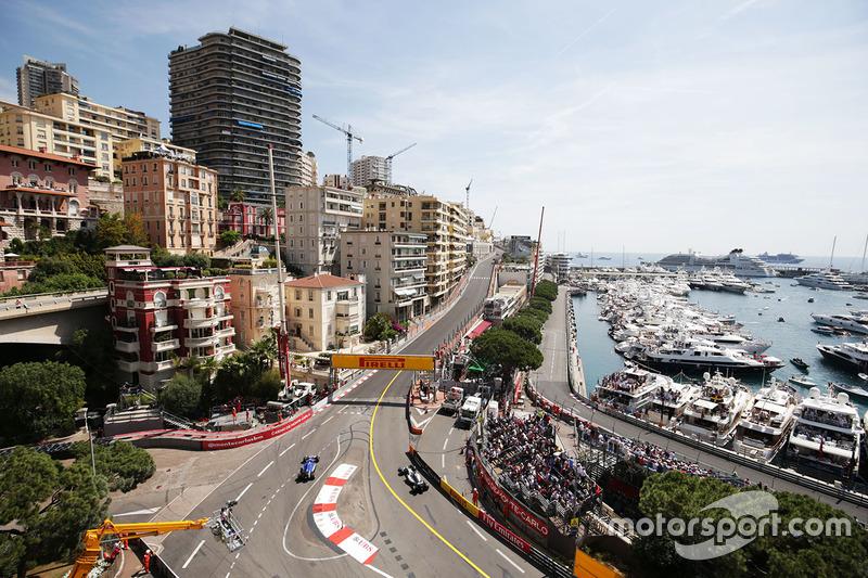Marcus Ericsson, Sauber und Lewis Hamilton, Mercedes