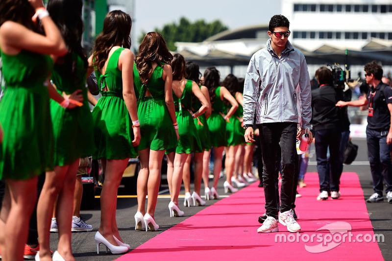 Esteban Ocon, Manor Racing en el desfile de pilotos