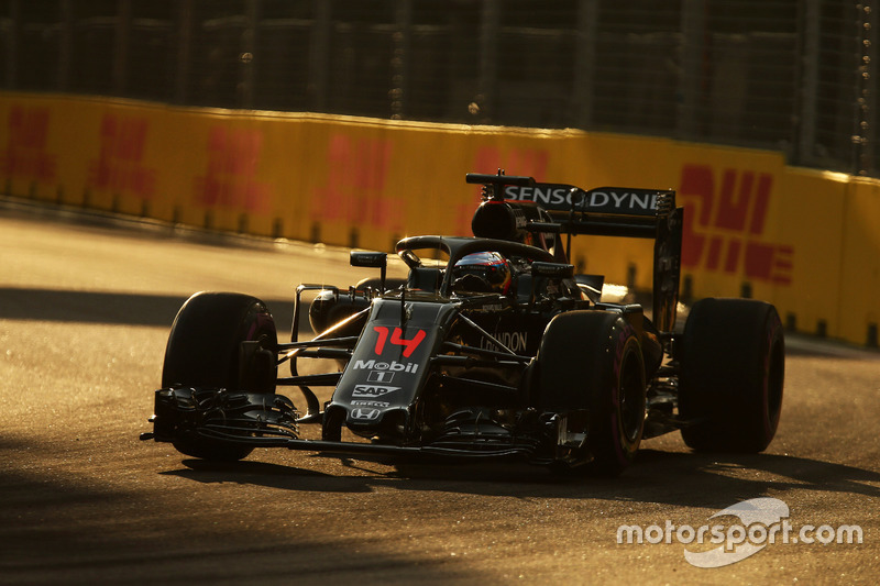 Fernando Alonso, McLaren MP4-31 with the Halo cockpit cover