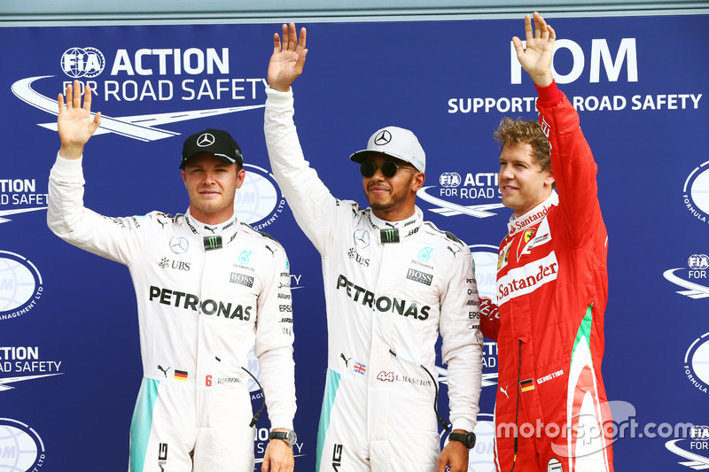 Qualifiche, top 3: secondo Nico Rosberg, Mercedes AMG F1; Pole position Lewis Hamilton, Mercedes AMG F1; terzo Sebastian Vettel, Ferrari