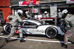 Тимо Бернхард, Марк Уэббер, Брендон Хартли, #1 Porsche Team Porsche 919 Hybrid