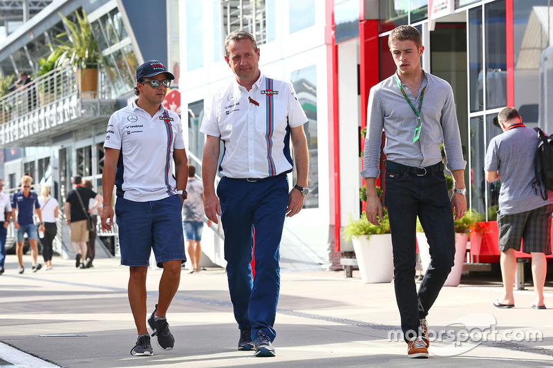 Felipe Massa, Williams with Steve Nielsen, Williams Sporting Manager and Paul di Resta, Williams Reserve Driver