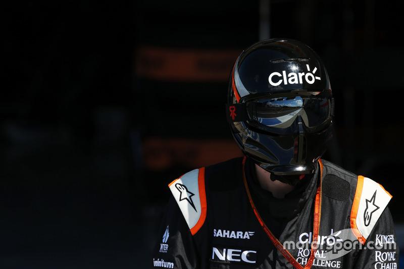 Un meccanico Sahara Force India F1 Team