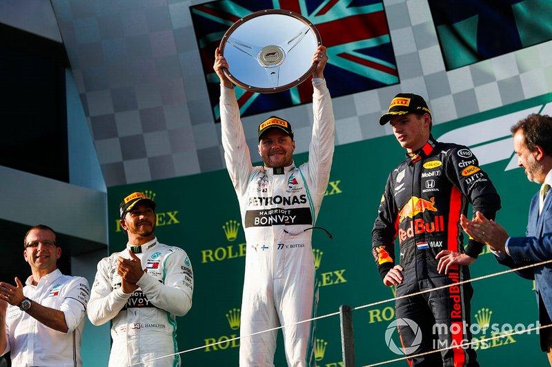 Valtteri Bottas, Mercedes AMG F1, 1st position, lifts his trophy on the podium