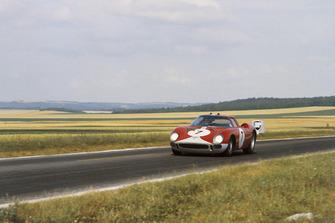 #7 Ferrari 250LM: Graham Hill, Jo Bonnier