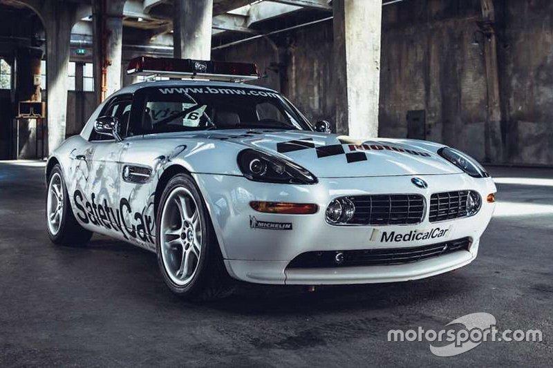 2002: BMW Z8 safety car