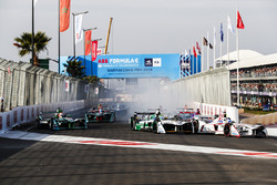 Jose Maria Lopez, Dragon Racing y Lucas di Grassi, Audi Sport ABT Schaeffler, al inicio de la carrera