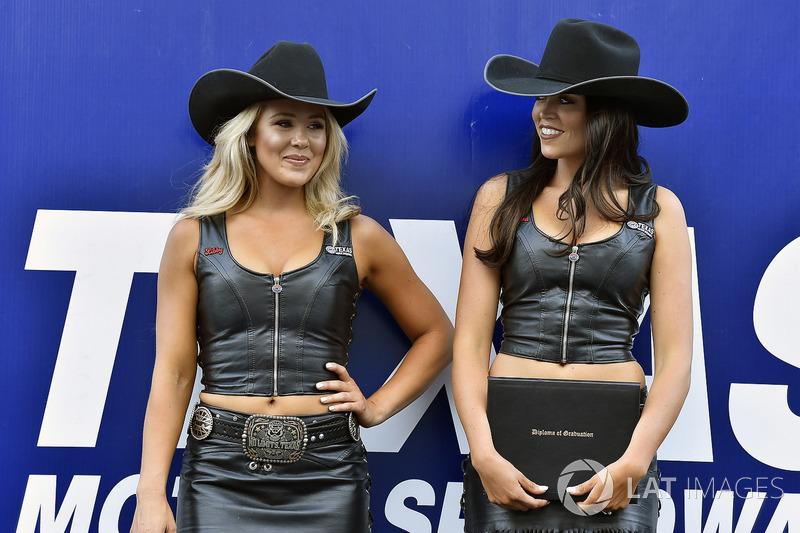 Texas Speedway girls