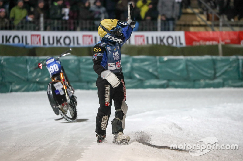 А Мартин Хаарахилтунен начал этап с падения, а потом привез еще один «ноль». Но после этого он «включил форсаж», прорвался в плей-офф, а затем и в финал