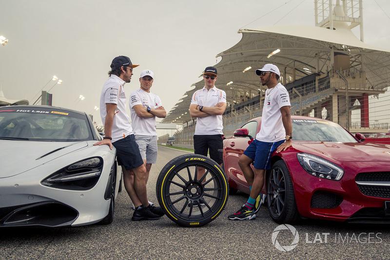 Fernando Alonso, McLaren, Valtteri Bottas, Mercedes-AMG F1, Lewis Hamilton, Mercedes-AMG F1 and Stoffel Vandoorne, McLaren with Pirelli Hot Laps cars